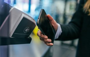 cancom-case-study-financial-services-contactless-payment